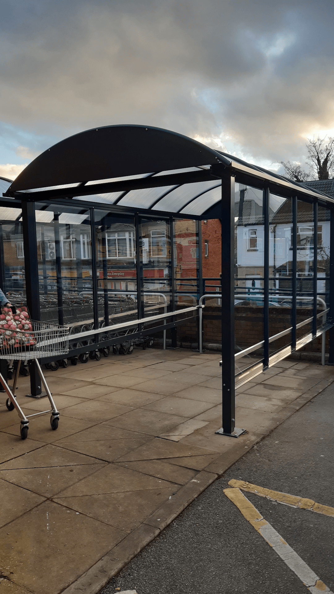 aldi – various stores – wet weather queuing solutions 1