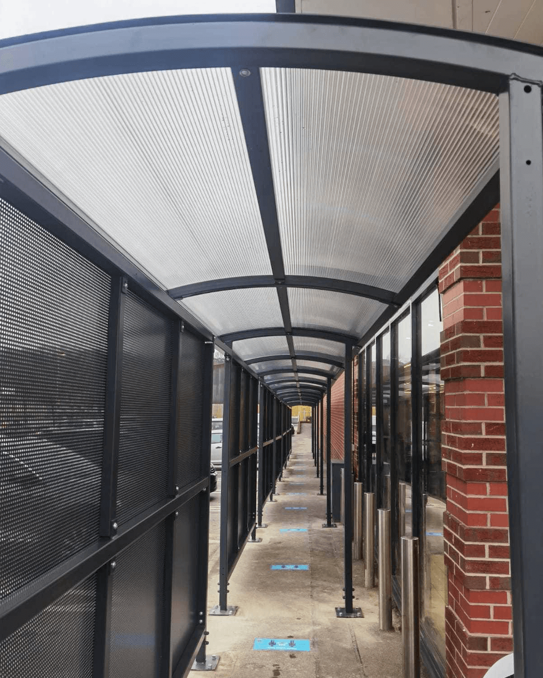 aldi – various stores – wet weather queuing solutions 2